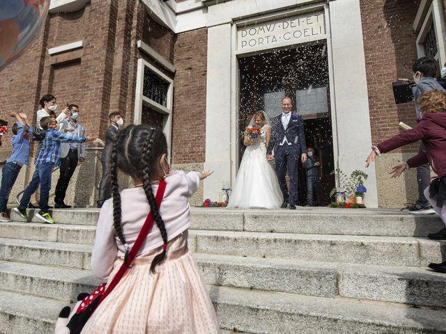 Il matrimonio di Luca e Mara a Cerro Maggiore, Milano 19