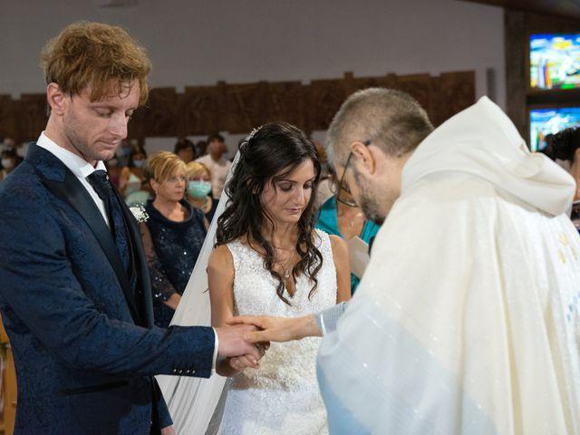 Il matrimonio di Jlenia e Lorenzo a Ancona, Ancona 8