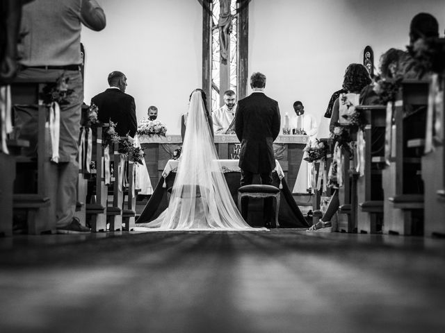 Il matrimonio di Jlenia e Lorenzo a Ancona, Ancona 16