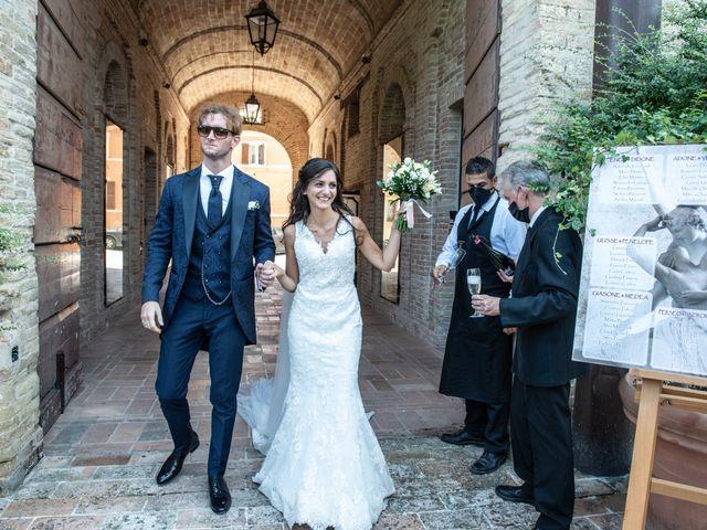 Il matrimonio di Jlenia e Lorenzo a Ancona, Ancona 111
