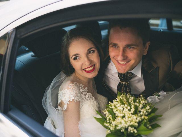 Samuela spose for Permesso di soggiorno dopo matrimonio
