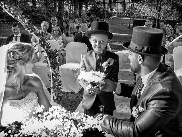 Il matrimonio di Ros e Virginie a Venegono Inferiore, Varese 14