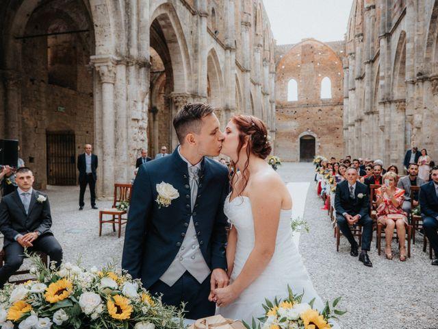Il matrimonio di Andrea e Serena a Chiusdino, Siena 12