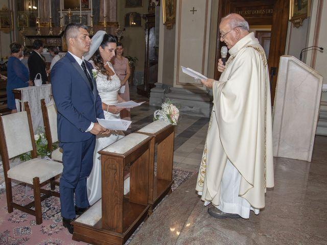 Il matrimonio di Giuseppe e Simona a Fara Gera d'Adda, Bergamo 15