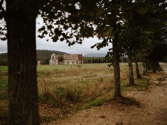 Il matrimonio di Lorenzo e Laura a Chiusdino, Siena 1