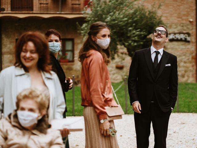 Il matrimonio di Lorenzo e Laura a Chiusdino, Siena 23