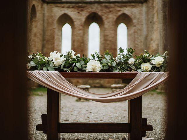 Il matrimonio di Lorenzo e Laura a Chiusdino, Siena 26