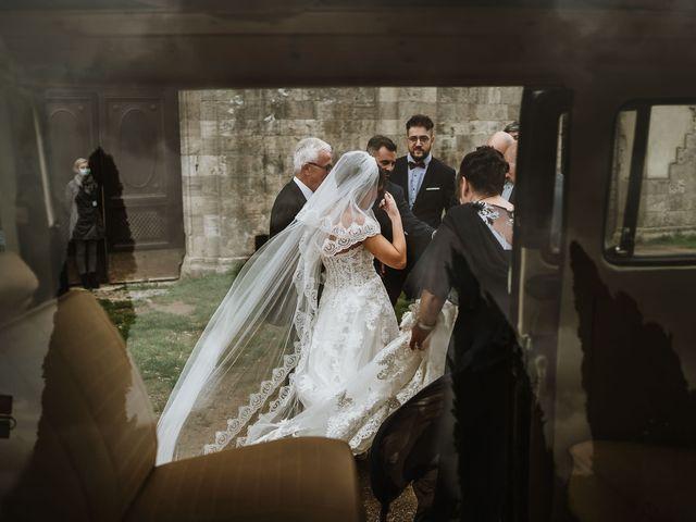 Il matrimonio di Lorenzo e Laura a Chiusdino, Siena 31