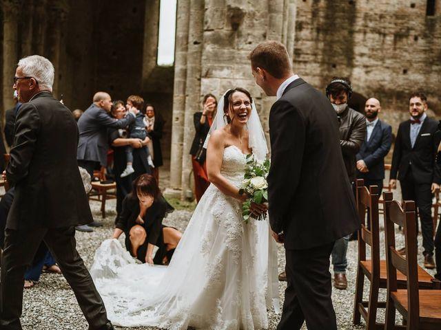 Il matrimonio di Lorenzo e Laura a Chiusdino, Siena 33