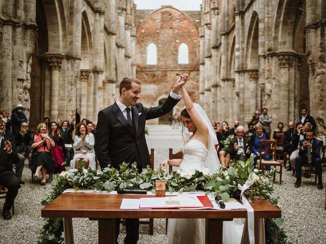 Il matrimonio di Lorenzo e Laura a Chiusdino, Siena 36
