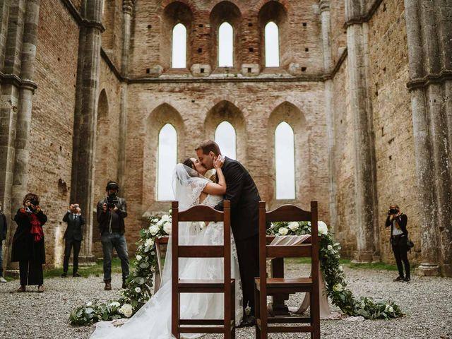 Il matrimonio di Lorenzo e Laura a Chiusdino, Siena 37