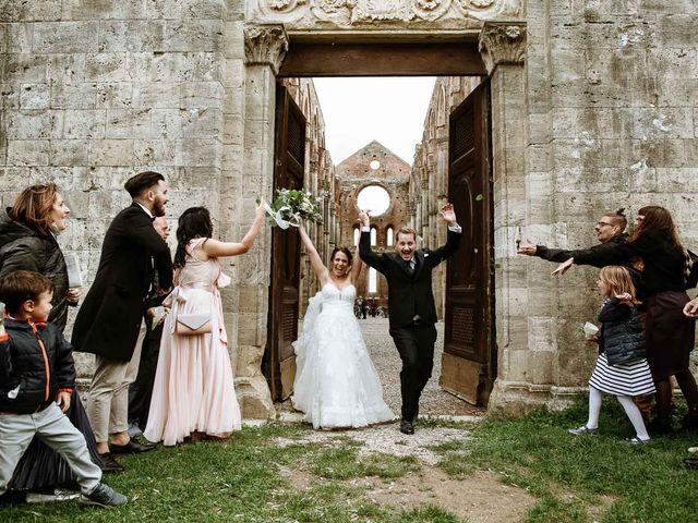 Il matrimonio di Lorenzo e Laura a Chiusdino, Siena 39