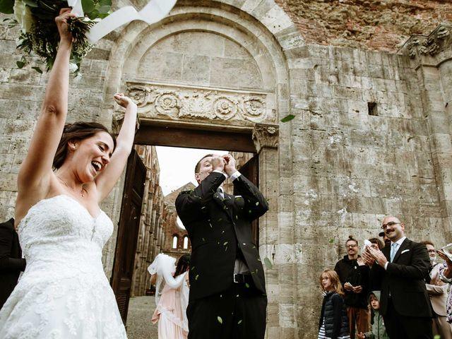 Il matrimonio di Lorenzo e Laura a Chiusdino, Siena 40