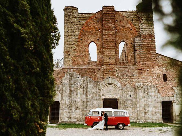 Il matrimonio di Lorenzo e Laura a Chiusdino, Siena 42