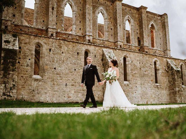 Il matrimonio di Lorenzo e Laura a Chiusdino, Siena 43