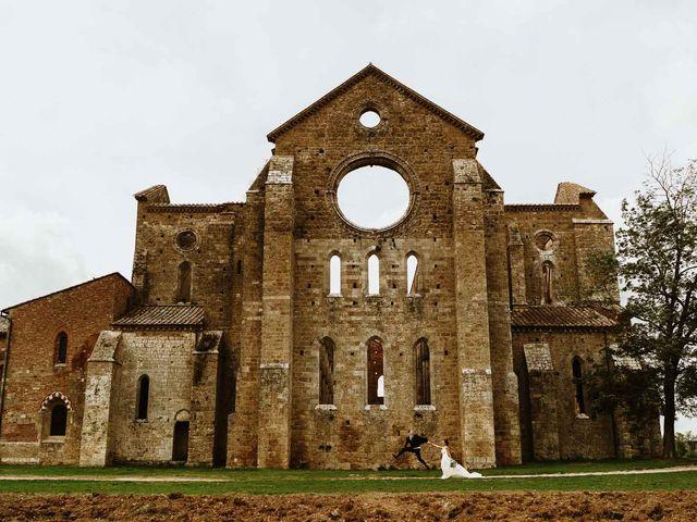 Il matrimonio di Lorenzo e Laura a Chiusdino, Siena 46