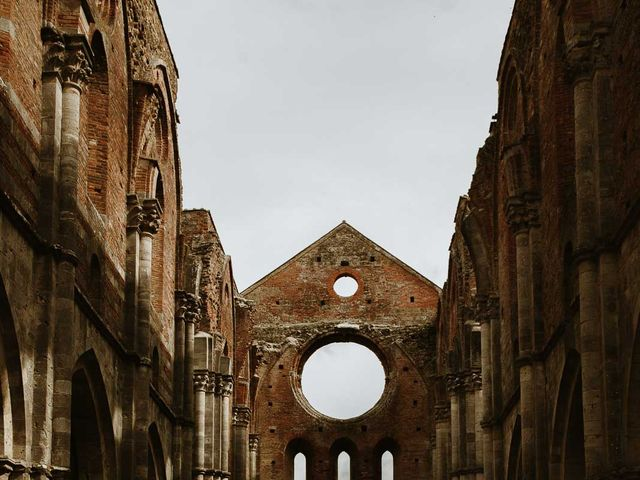 Il matrimonio di Lorenzo e Laura a Chiusdino, Siena 47