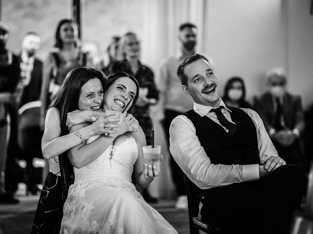 Il matrimonio di Lorenzo e Laura a Chiusdino, Siena 62