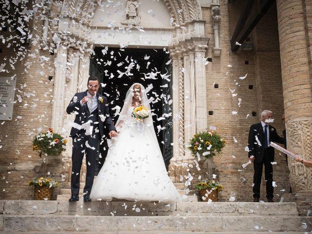 Il matrimonio di Massimo e Angelica a Città Sant'Angelo, Pescara 23