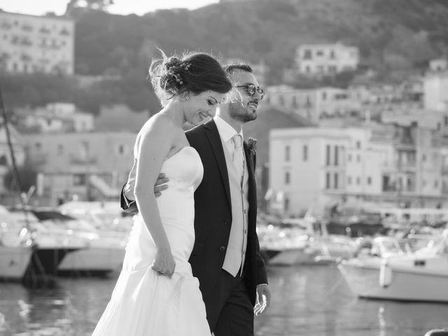 Il matrimonio di Alessandro e Mariaelena a Bacoli, Napoli 42