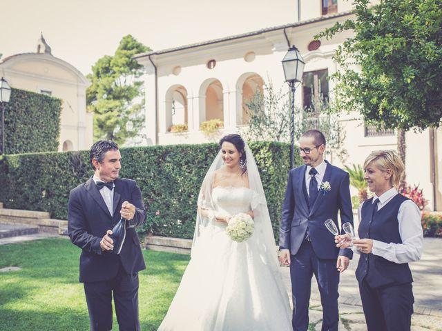 Il matrimonio di Costanzo e Federica a Città Sant'Angelo, Pescara 36