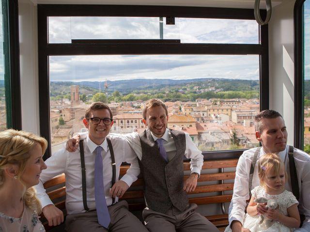 Il matrimonio di James e Nicola a Certaldo, Firenze 20