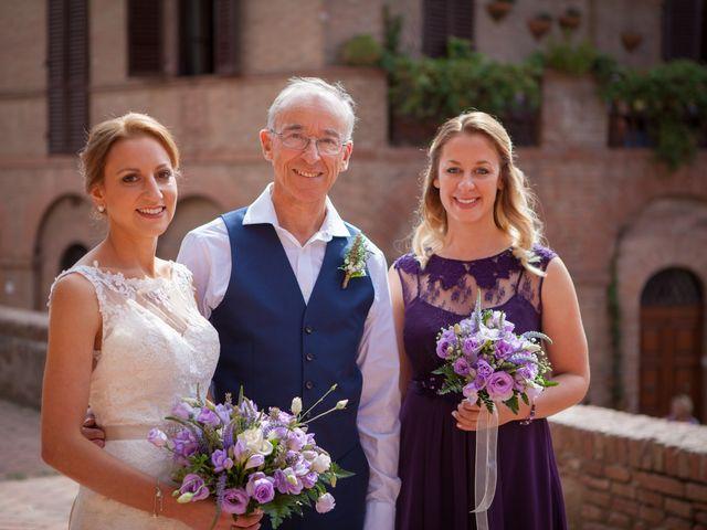 Il matrimonio di James e Nicola a Certaldo, Firenze 23