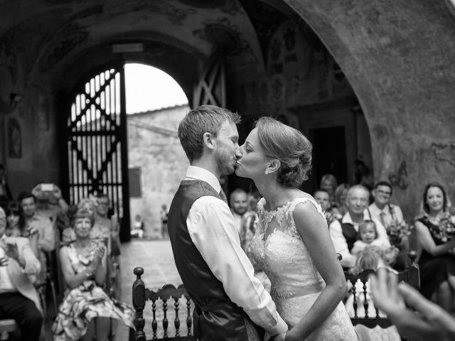 Il matrimonio di James e Nicola a Certaldo, Firenze 30