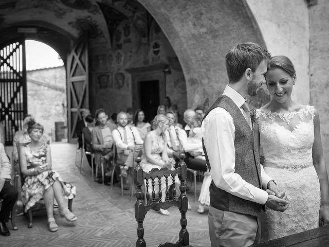Il matrimonio di James e Nicola a Certaldo, Firenze 32