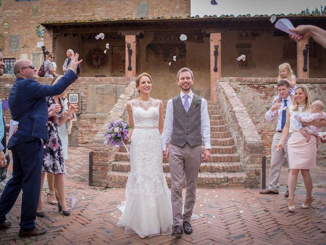 Il matrimonio di James e Nicola a Certaldo, Firenze 34