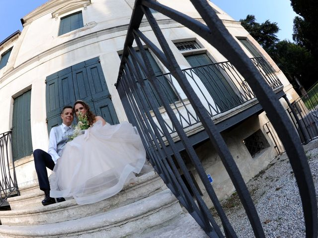 Il matrimonio di Lavdim e Vania a Mirano, Venezia 14