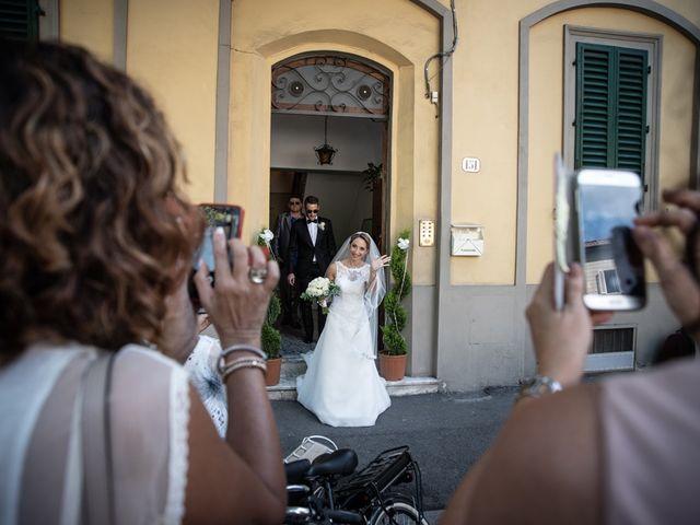 Il matrimonio di Luca e Valentina a Carmignano, Prato 23