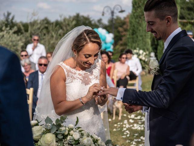 Il matrimonio di Luca e Valentina a Carmignano, Prato 33
