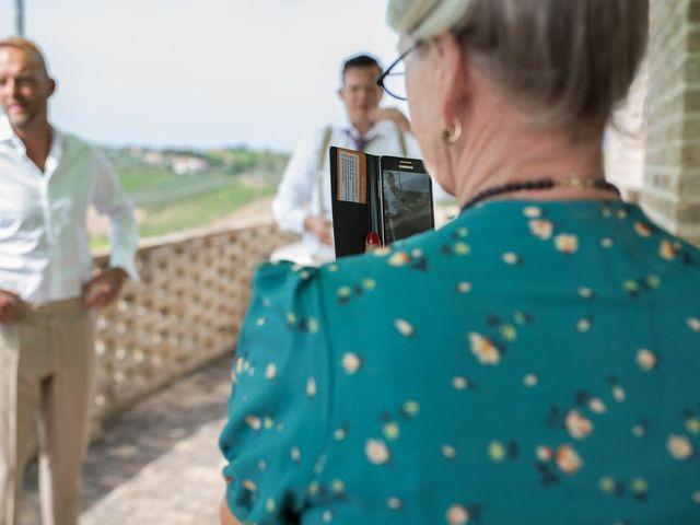 Il matrimonio di Rik e Petra a Città Sant'Angelo, Pescara 27