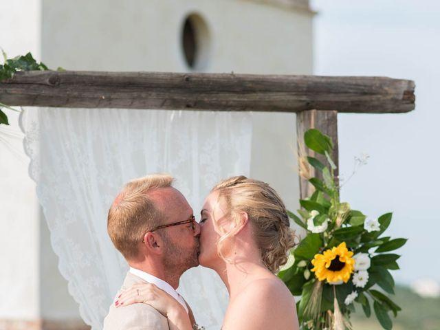 Il matrimonio di Rik e Petra a Città Sant'Angelo, Pescara 43