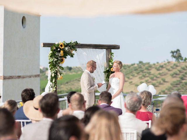 Il matrimonio di Rik e Petra a Città Sant'Angelo, Pescara 45