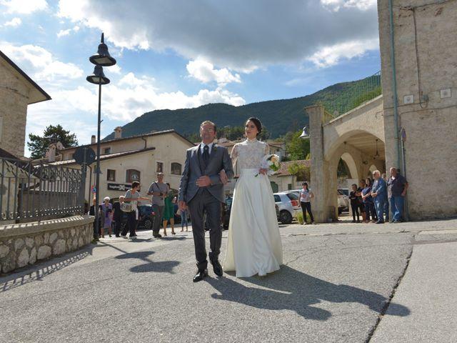 Il matrimonio di Fabio e Elena a Villetta Barrea, L'Aquila 23