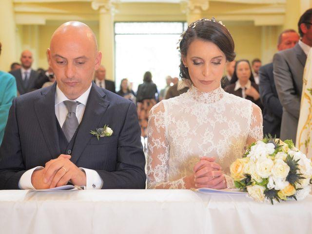 Il matrimonio di Fabio e Elena a Villetta Barrea, L'Aquila 27