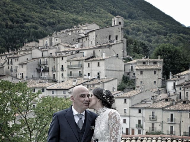 Il matrimonio di Fabio e Elena a Villetta Barrea, L'Aquila 30