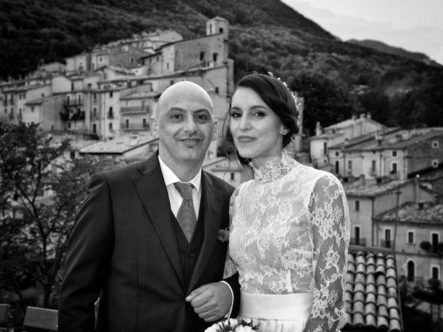 Il matrimonio di Fabio e Elena a Villetta Barrea, L'Aquila 31