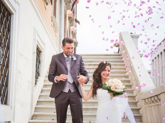 Il matrimonio di Ilaria e Gionata a Livorno, Livorno 25