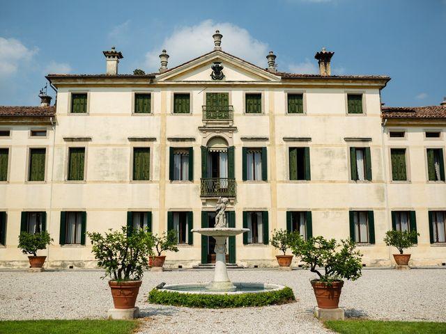 Il matrimonio di Andrea e Aurèlie a Colle Umberto, Treviso 54