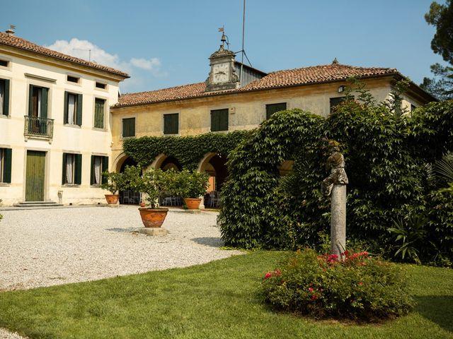 Il matrimonio di Andrea e Aurèlie a Colle Umberto, Treviso 55
