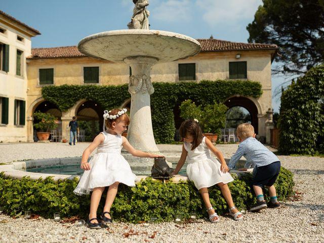 Il matrimonio di Andrea e Aurèlie a Colle Umberto, Treviso 56