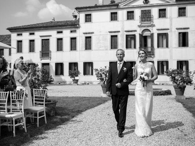 Il matrimonio di Andrea e Aurèlie a Colle Umberto, Treviso 69