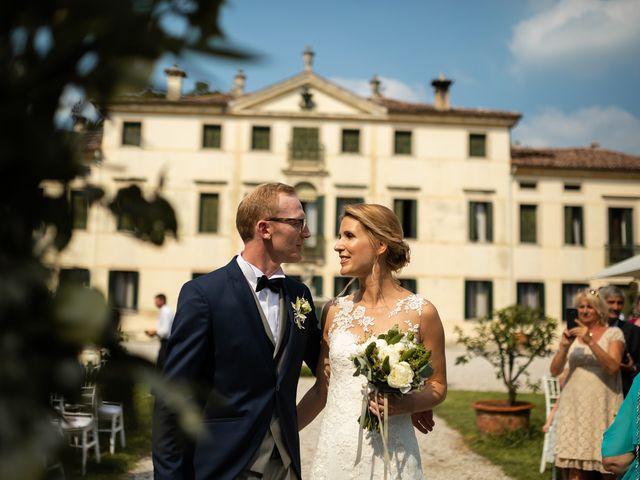 Il matrimonio di Andrea e Aurèlie a Colle Umberto, Treviso 73