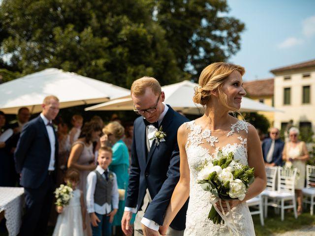 Il matrimonio di Andrea e Aurèlie a Colle Umberto, Treviso 74