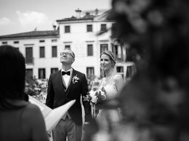 Il matrimonio di Andrea e Aurèlie a Colle Umberto, Treviso 77