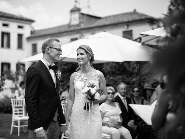 Il matrimonio di Andrea e Aurèlie a Colle Umberto, Treviso 78