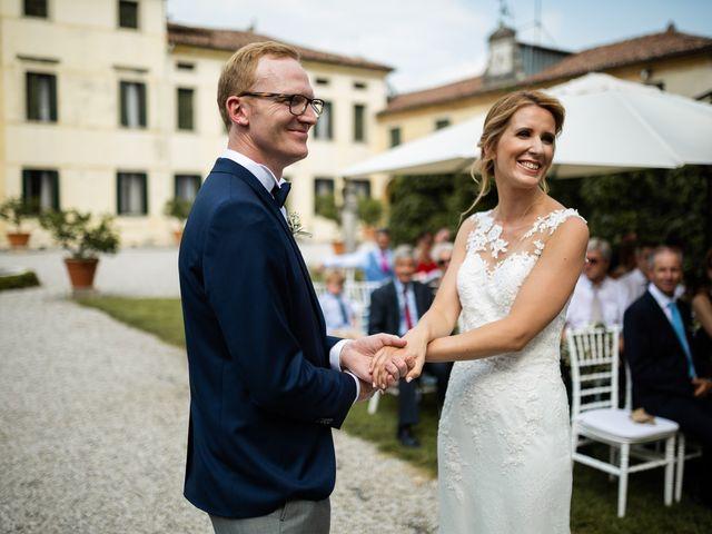 Il matrimonio di Andrea e Aurèlie a Colle Umberto, Treviso 86